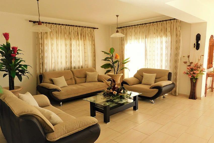4 bedroom villa for sale Yeroskipou Pafos02