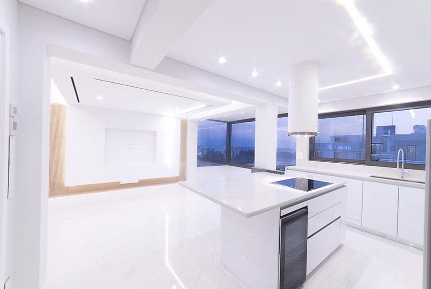 For-sale-luxury-apartment-with-sea-views-Limassol08