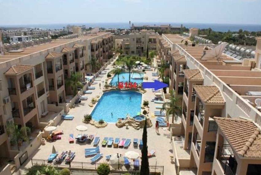 Apartment for sale in Pafos with large balcony 12