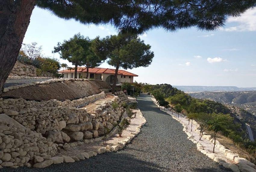 Mountain retreat 4 bed house for sale Korfi village01