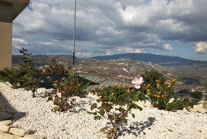 Mountain retreat 4 bed house for sale Korfi village04