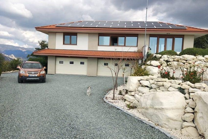 Mountain retreat 4 bed house for sale Korfi village09