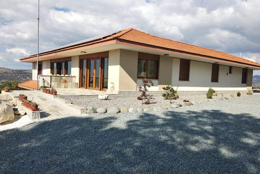 Mountain retreat 4 bed house for sale Korfi village11