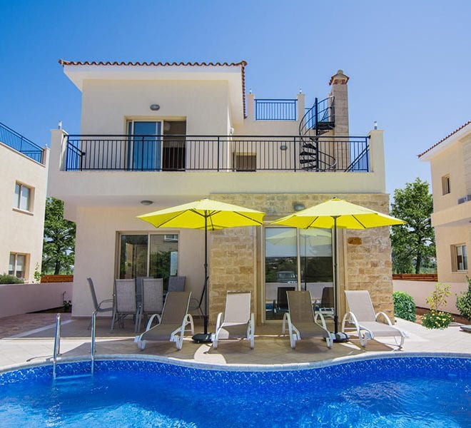 Villa for sale with private pool in Polis