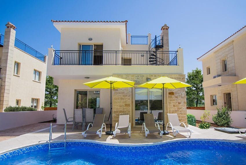 Villa for sale with private pool in Polis 09