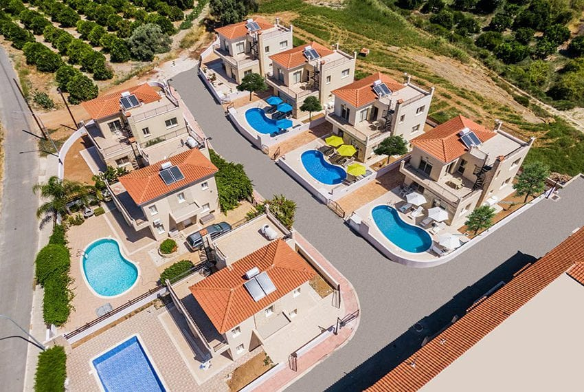 Villa for sale with private pool in Polis 11