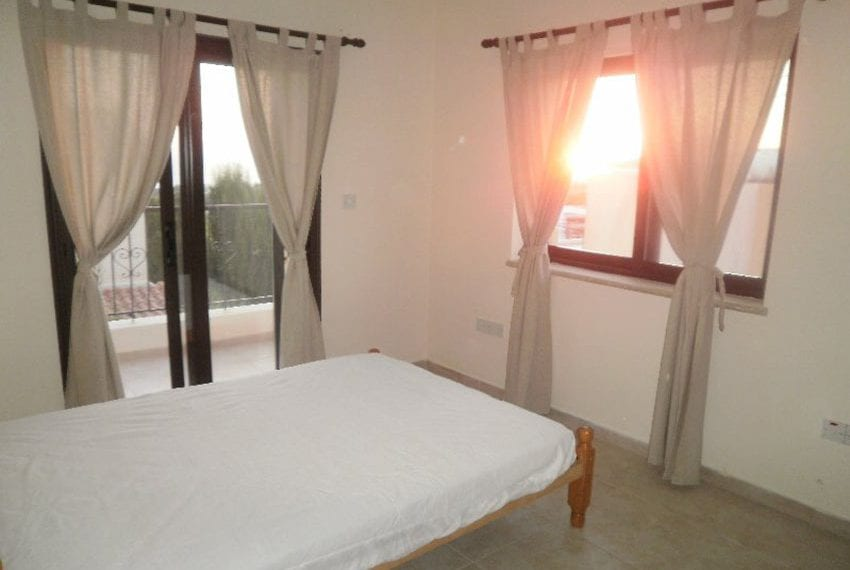 Stone villa for rent in Kissonerga02
