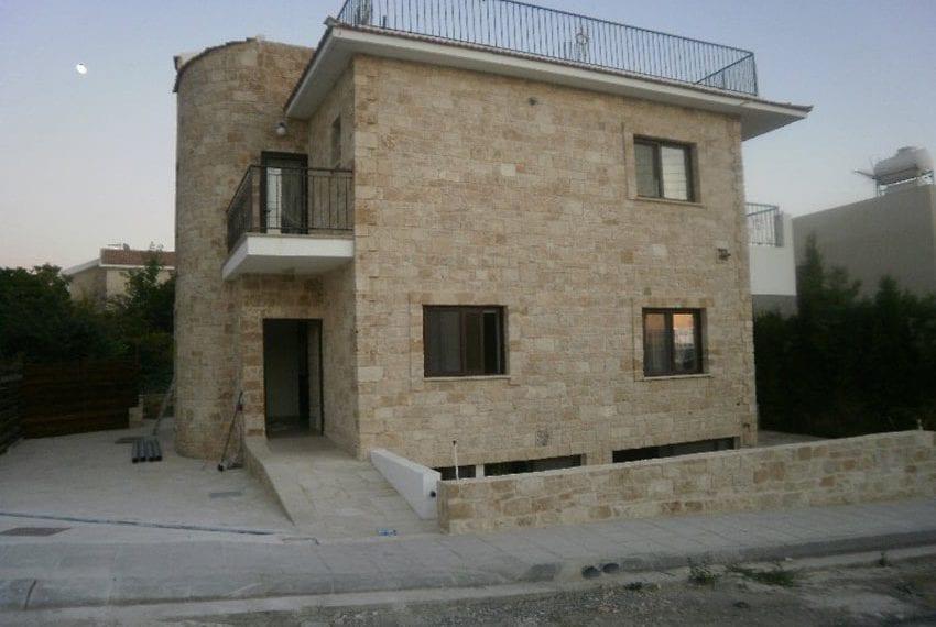 Stone villa for rent in Kissonerga04