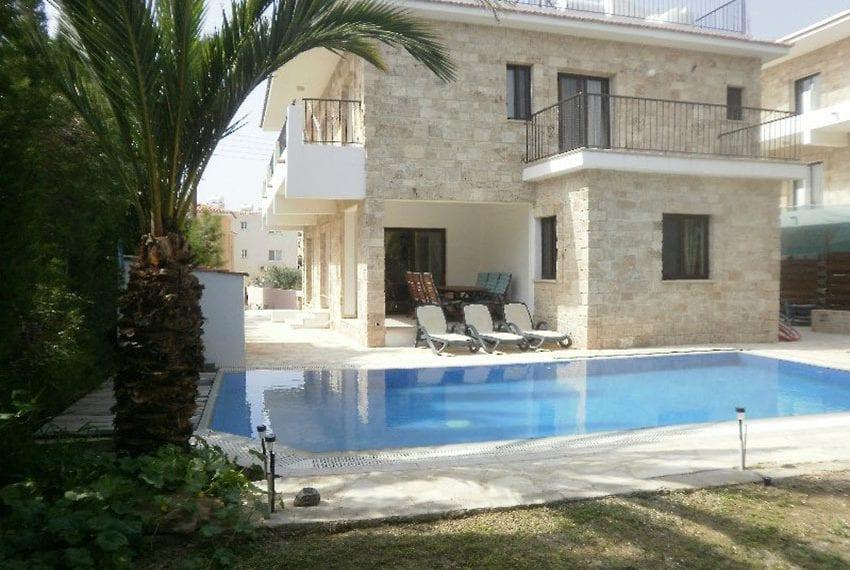 Stone villa for rent in Kissonerga07
