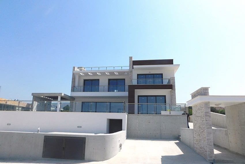 New 4 bed villa for sale in Tala Cyprus