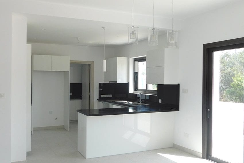 New 4 bed villa for sale in Tala Cyprus07