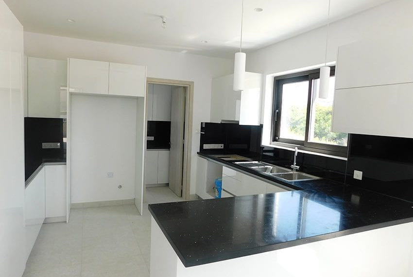 New 4 bed villa for sale in Tala Cyprus08