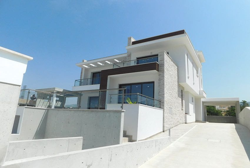 New 4 bed villa for sale in Tala Cyprus37