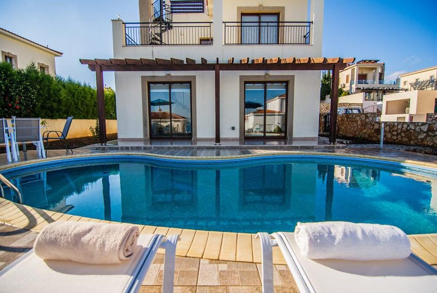 Villa with fantastic views Neo Chorio Cyprus08