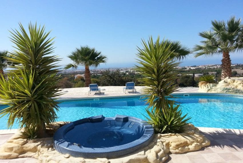 Leda heights top floor 1 bed apartment for sale Paphos06