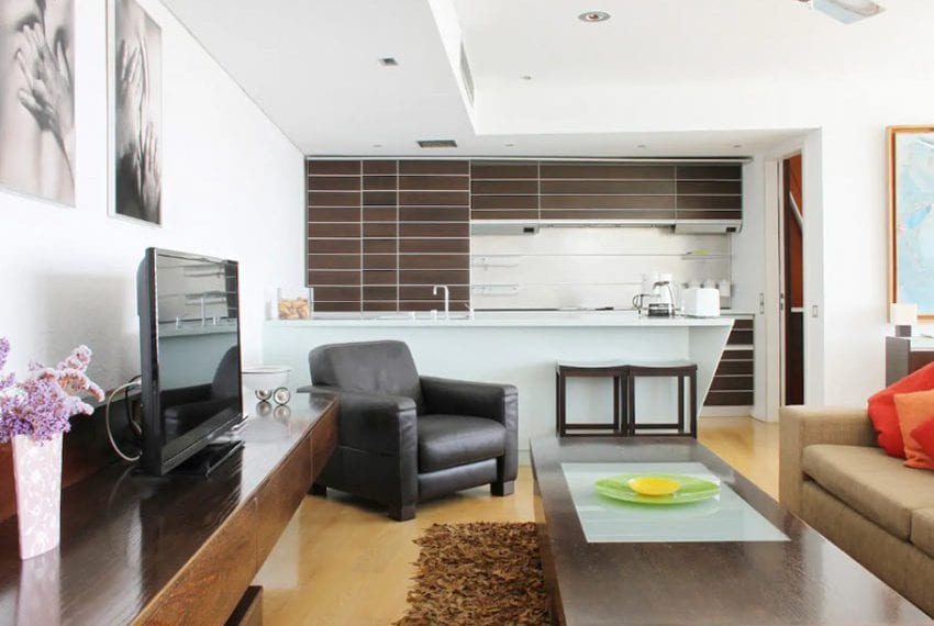Renovated 3 bed apartment for sale in Pafos02