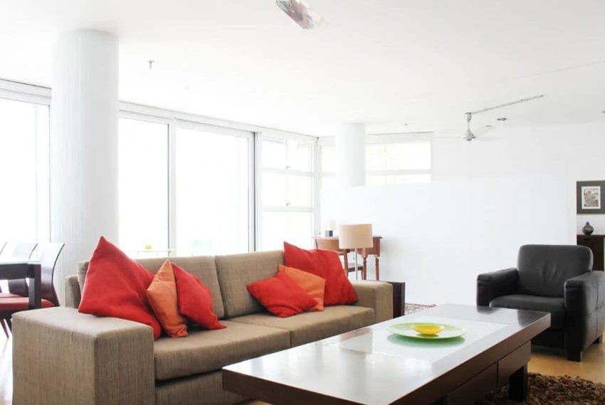 Renovated 3 bed apartment for sale in Pafos04