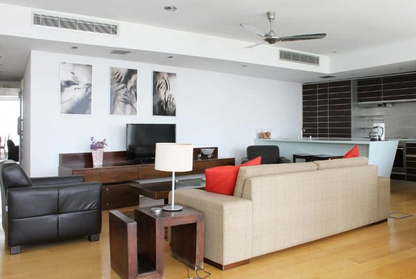 Renovated 3 bed apartment for sale in Pafos14