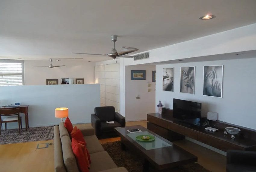 Renovated 3 bed apartment for sale in Pafos22
