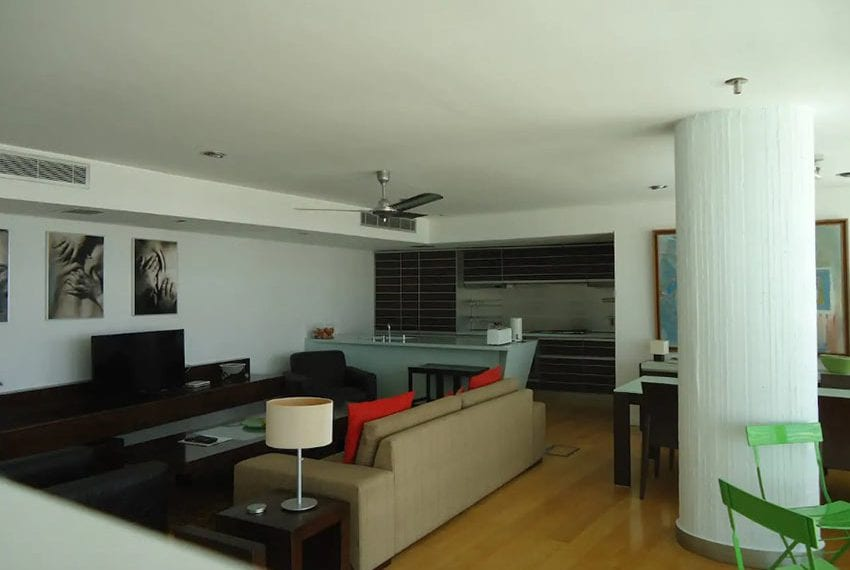 Renovated 3 bed apartment for sale in Pafos23