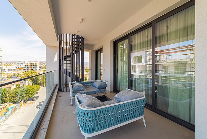 Penthouse with private pool for sale in Limassol27