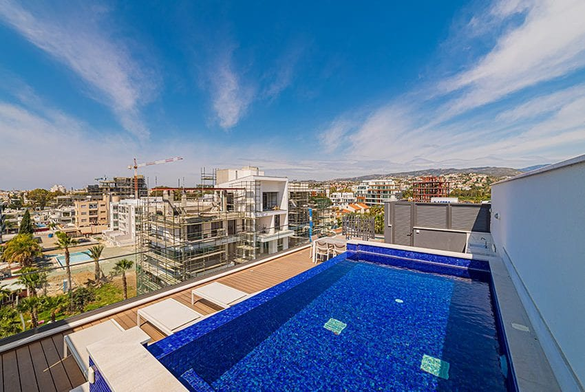 Penthouse with private pool for sale in Limassol35