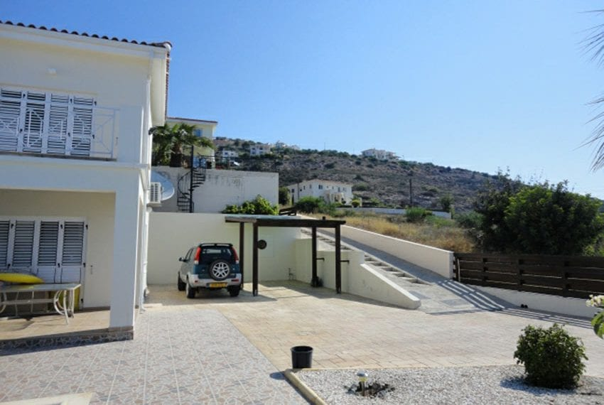 Villa for sale in Pafos with panoramic sea views02