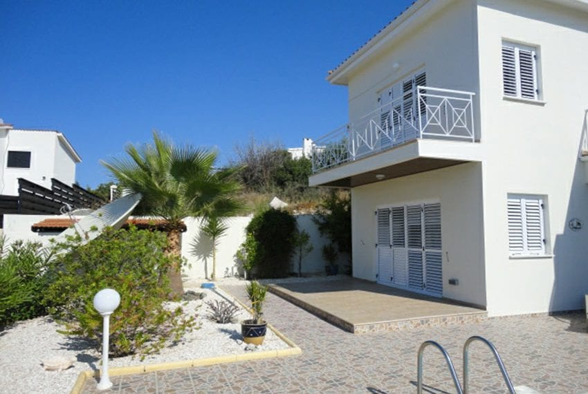 Villa for sale in Pafos with panoramic sea views04