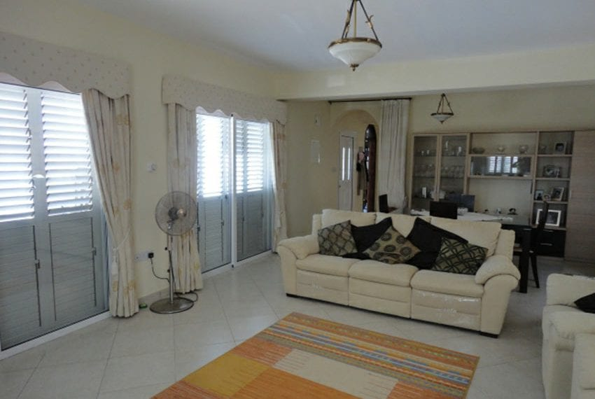 Villa for sale in Pafos with panoramic sea views05