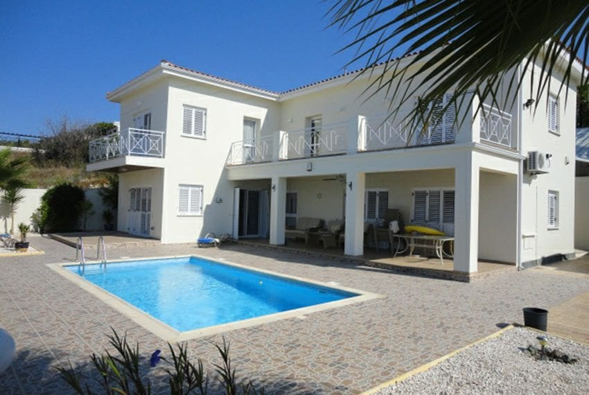 Villa for sale in Pafos with panoramic sea views07