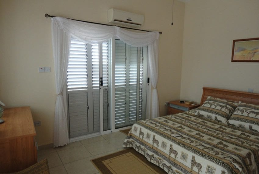 Villa for sale in Pafos with panoramic sea views08