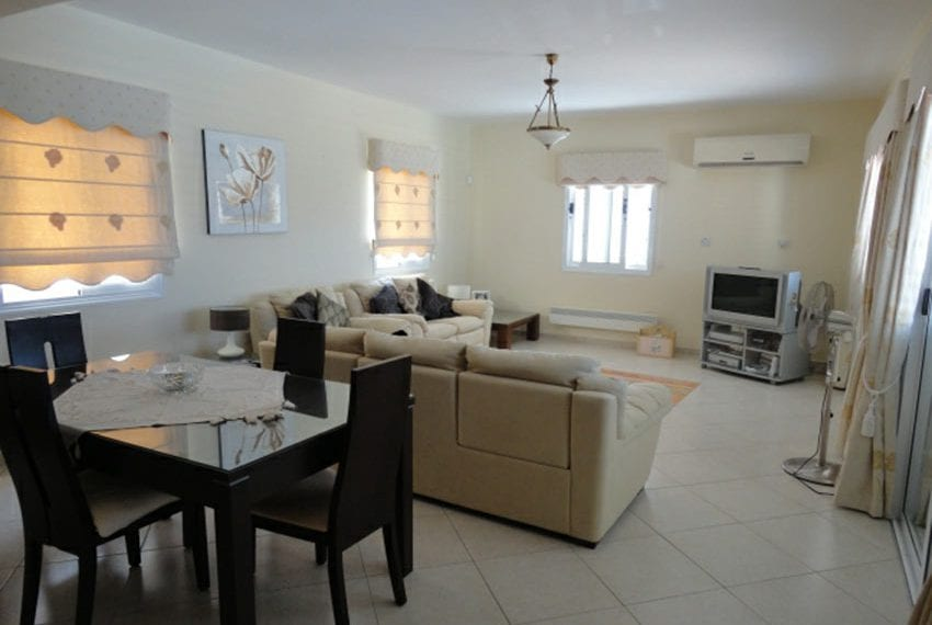 Villa for sale in Pafos with panoramic sea views12