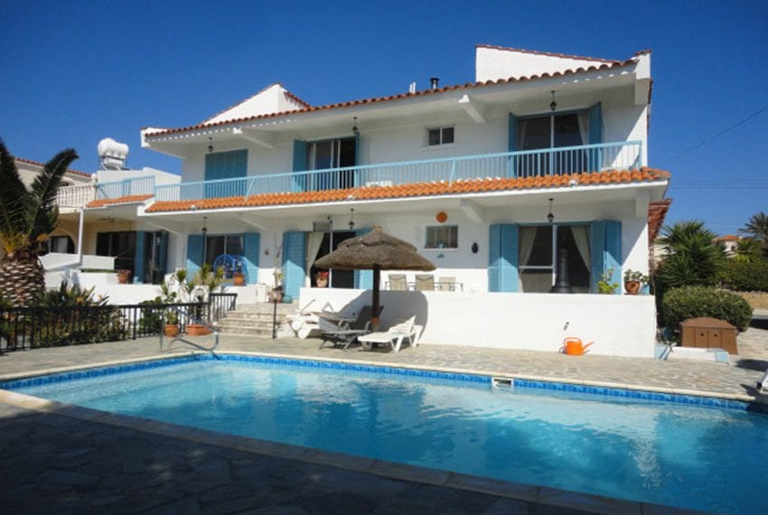 6 bedroom villa for sale large plot Tala Cyprus