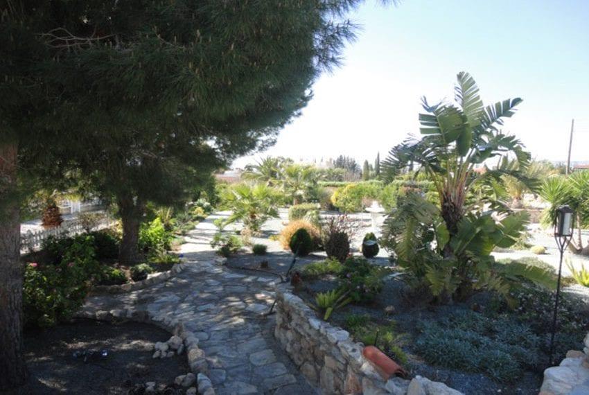 6 bedroom villa for sale large plot Tala Cyprus04