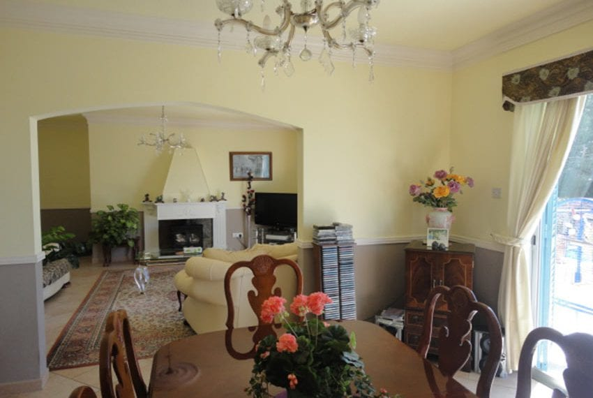 6 bedroom villa for sale large plot Tala Cyprus07