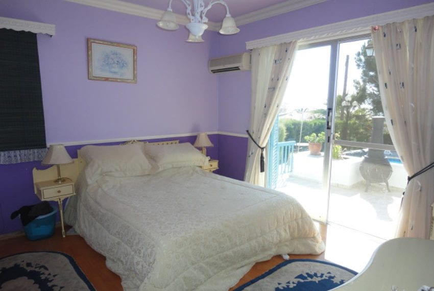 6 bedroom villa for sale large plot Tala Cyprus09
