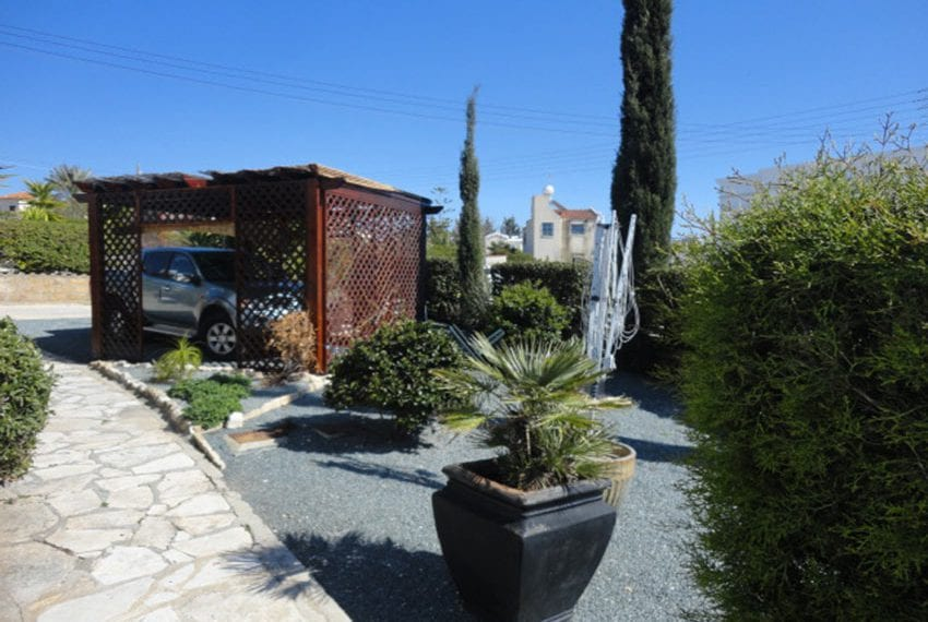 6 bedroom villa for sale large plot Tala Cyprus11