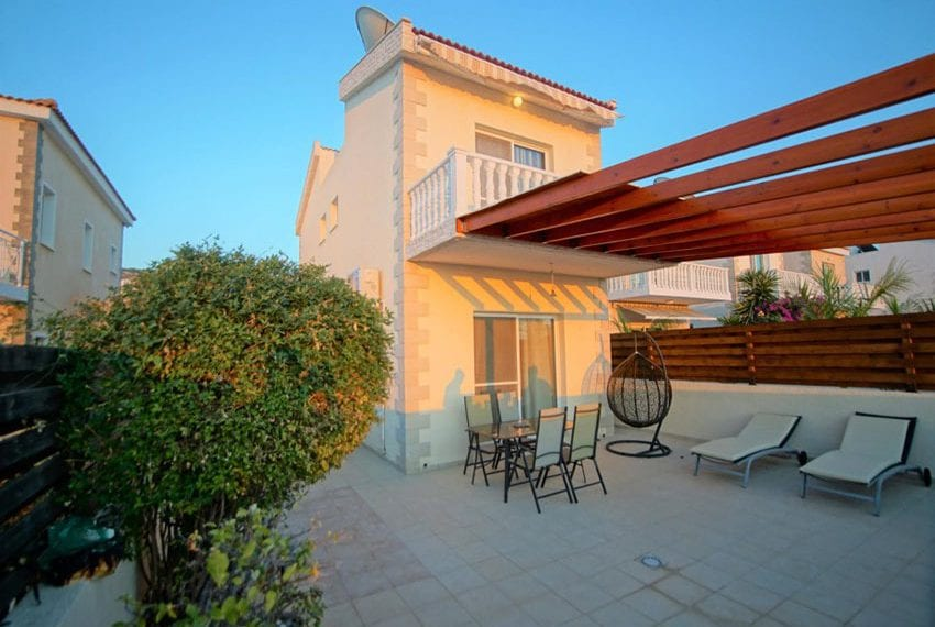 Detached 3 bed villa for sale in Peyia Cyprus01