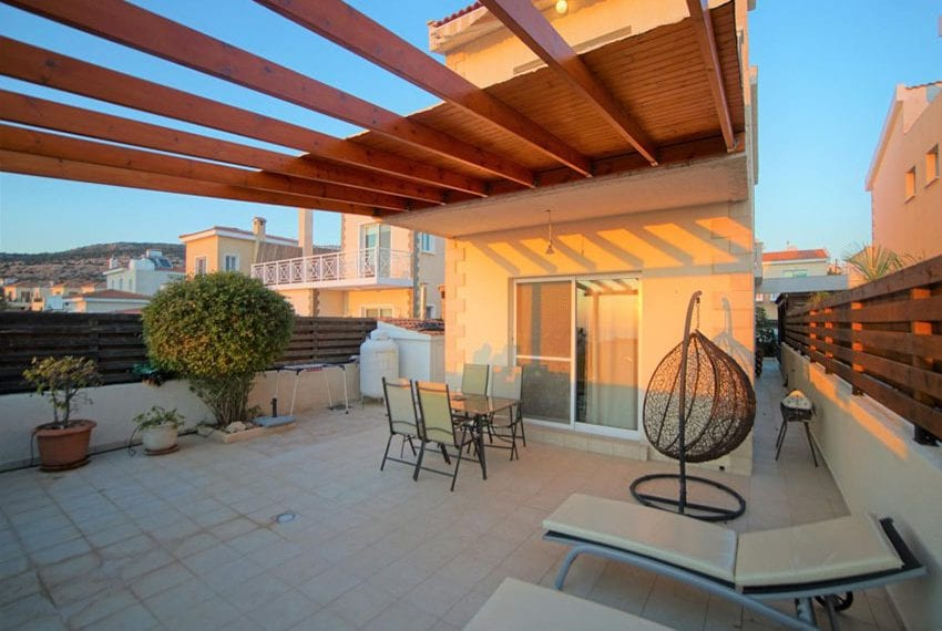Detached 3 bed villa for sale in Peyia Cyprus02