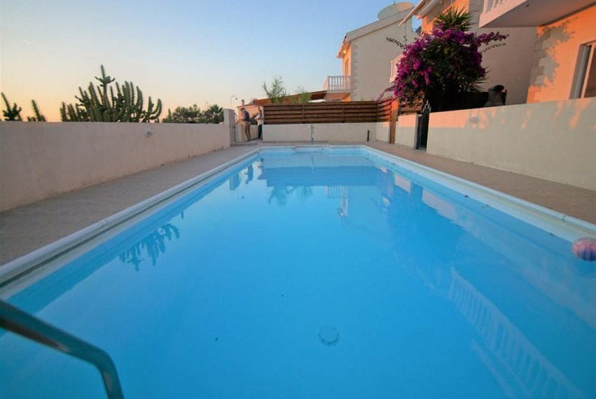 Detached 3 bed villa for sale in Peyia Cyprus03