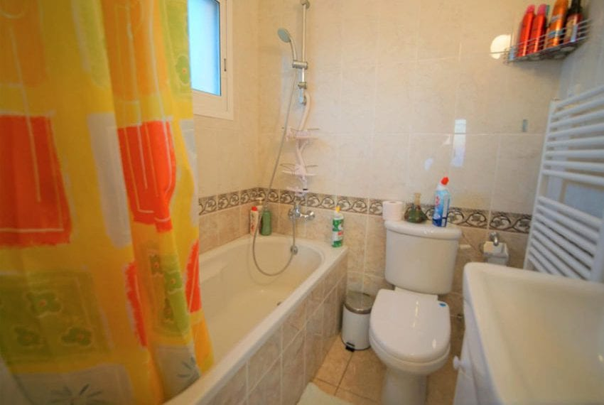 Detached 3 bed villa for sale in Peyia Cyprus12