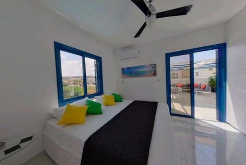 Renovated villa for sale near beach Paphos08