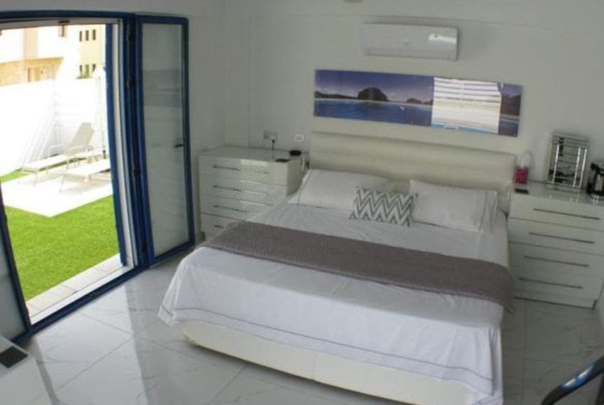 Renovated villa for sale near beach Paphos12