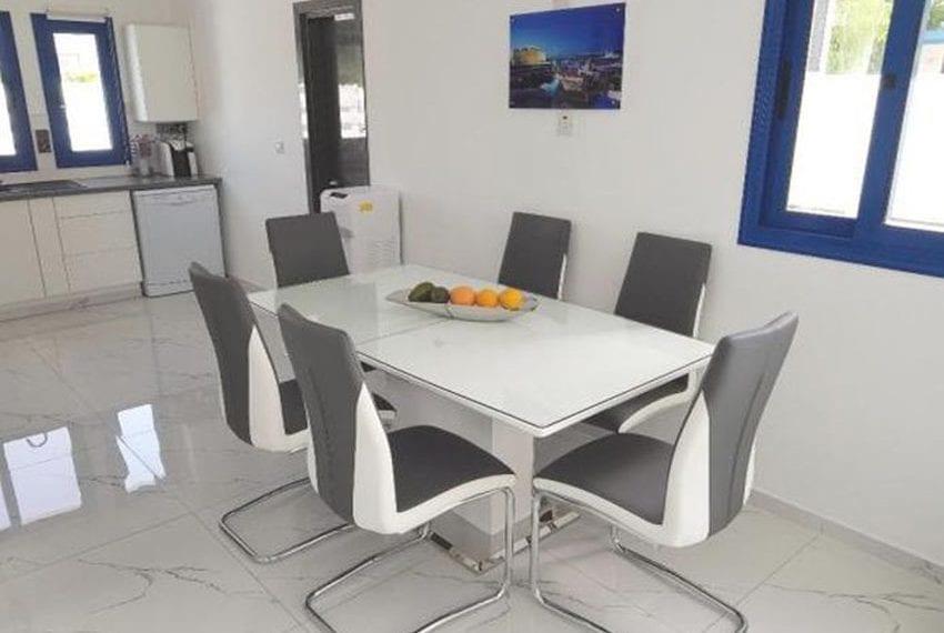 Renovated villa for sale near beach Paphos17