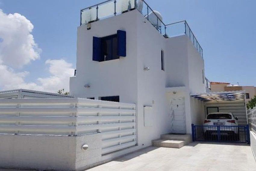 Renovated villa for sale near beach Paphos19