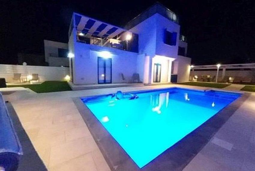 Renovated villa for sale near beach Paphos21