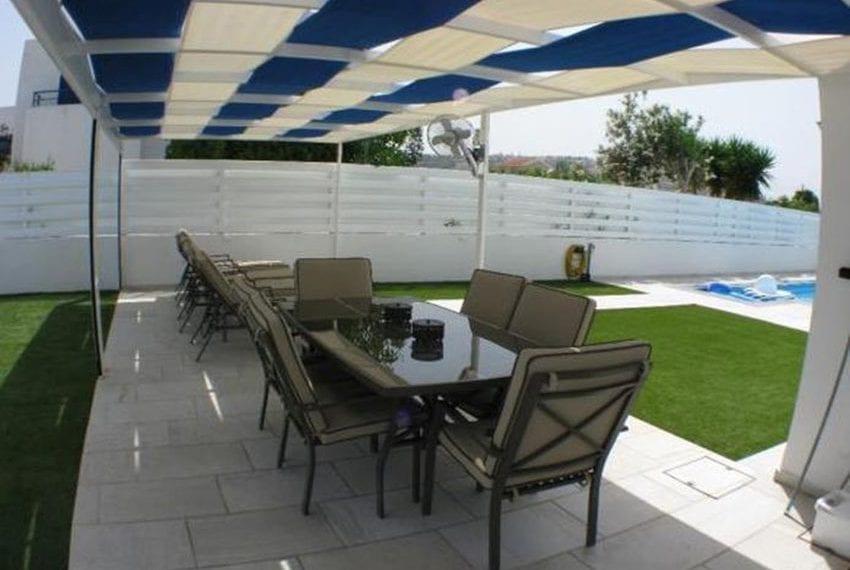 Renovated villa for sale near beach Paphos22