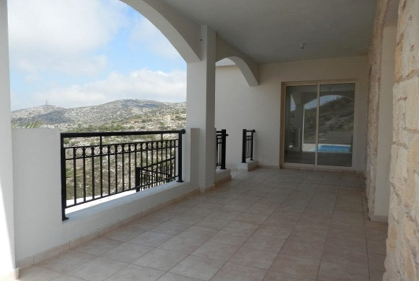 Villa for sale with panoramic views in Tsada Cyprus10