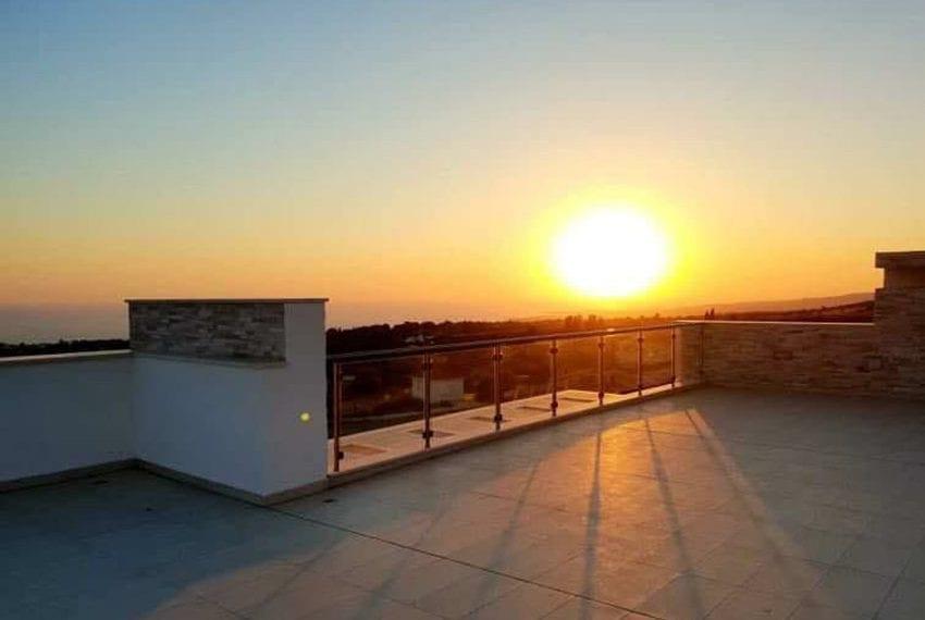 Modern villa for rent long term in Tala05