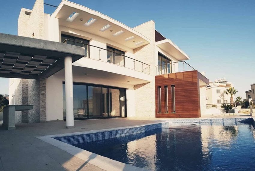 Modern villa for rent long term in Tala08
